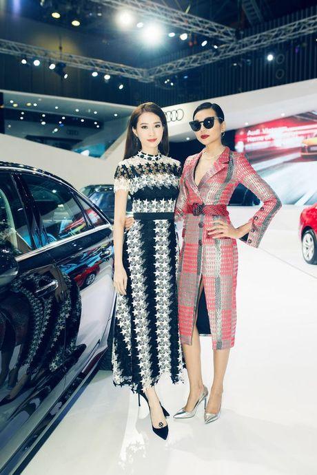 Nhieu sao showbiz Viet hoi ngo tai gian hang Audi o VIMS 2016 - Anh 12