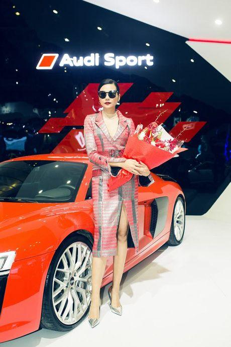 Nhieu sao showbiz Viet hoi ngo tai gian hang Audi o VIMS 2016 - Anh 7