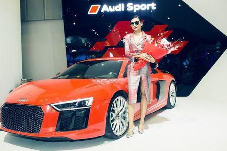 Nhieu sao showbiz Viet hoi ngo tai gian hang Audi o VIMS 2016 - Anh 8