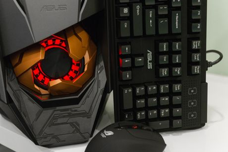 Can canh PC chuyen game Asus ROG GT51 gia 60 trieu dong - Anh 3