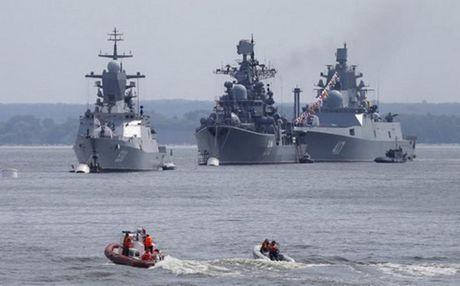 Nga dieu tau ten lua toi bien Baltic doi pho NATO - Anh 1