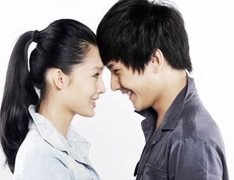 Quen Trinh Sang di! Day moi la co gai dinh nghi an hen ho cung Duong Duong - Anh 4