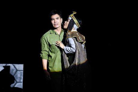 Vo kich Giac Mo: Thanh duong san khau - Su the nghiem va cai 'dien' cua nguoi lam nghe thuat - Anh 5