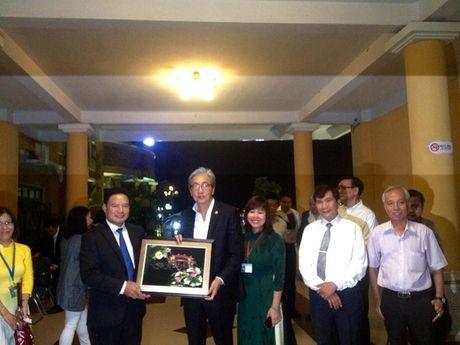 Pho Thu tuong Vuong quoc Thai Lan tham quan pho co Hoi An - Anh 3