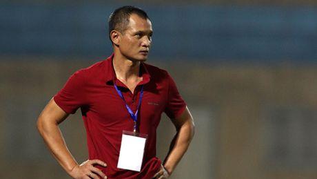 HLV Ngo Quang Truong ve doi tre, Duc Thang ngoi 'ghe nong' - Anh 1