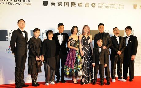 Thu tuong Nhat Ban bat ngo xuat hien tren tham do Lien hoan phim Tokyo - Anh 4