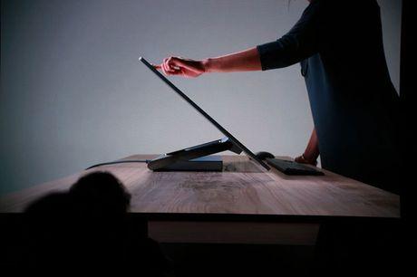 Microsoft bat ngo cong bo may tinh AIO Surface Studio doi dau iMac - Anh 3