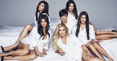 Kim Kardashian lang le den ung ho dem dien cua chong sau vu cuop - Anh 4