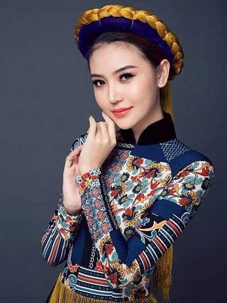 Hoa hau Ngoc Duyen tung xin cha di ban ve so - Anh 3