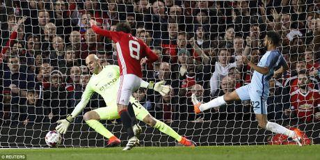 Man United 1-0 Man City: Tam thoat khung hoang - Anh 3