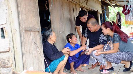 Nhac sy Minh Khang va nhung nguoi ban lam tu thien tai Quang Binh - Anh 4