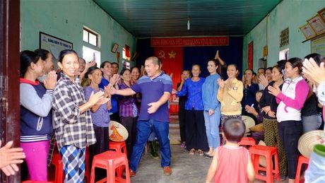 Nhac sy Minh Khang va nhung nguoi ban lam tu thien tai Quang Binh - Anh 5