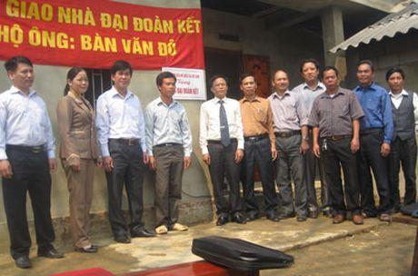 Bac Kan vuot chi tieu xay nha 'Dai doan ket' - Anh 1
