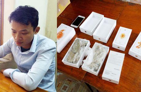 Nhan vien The gioi di dong Yen Bai trao iPhone... thanh gach - Anh 1