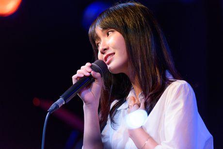 'Hot girl bolero' lan dau hat phong tra - Anh 1
