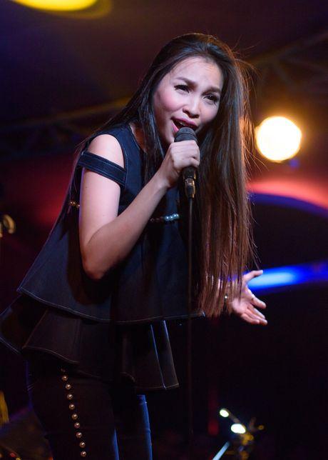 'Hot girl bolero' lan dau hat phong tra - Anh 5
