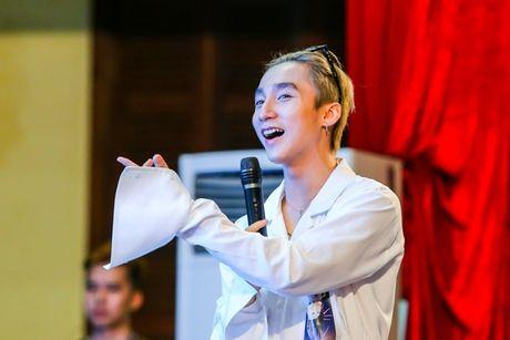 Hoang Bach len tieng: MTV Vietnam thieu chuyen nghiep - Anh 1