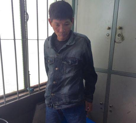 Chan dung Minh 'lau dai', ke no sung o Ben xe Mien Dong - Anh 1
