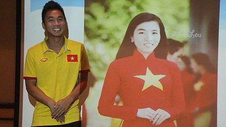 U19 Viet Nam lai duoc 'tiem doping' truoc dai chien - Anh 1