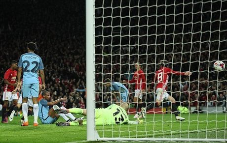 DIEM NHAN Man United 1-0 Man City: Mourinho dung cam, dung dan va co 'thuong' - Anh 2