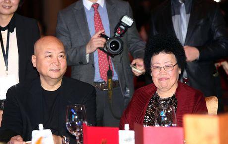 Chan dung nguoi vo hon 11 tuoi giau nhat Trung Quoc cua 'Duong Tang' - Anh 1