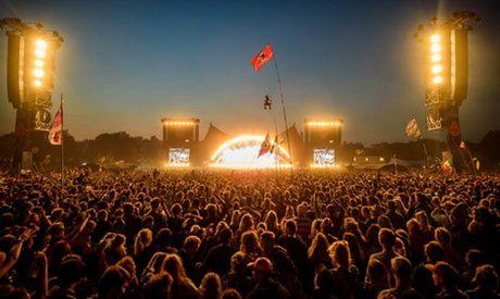 14 nghe sy dau tien nhan loi du Le hoi am nhac Roskilde Festival 2017 - Anh 1