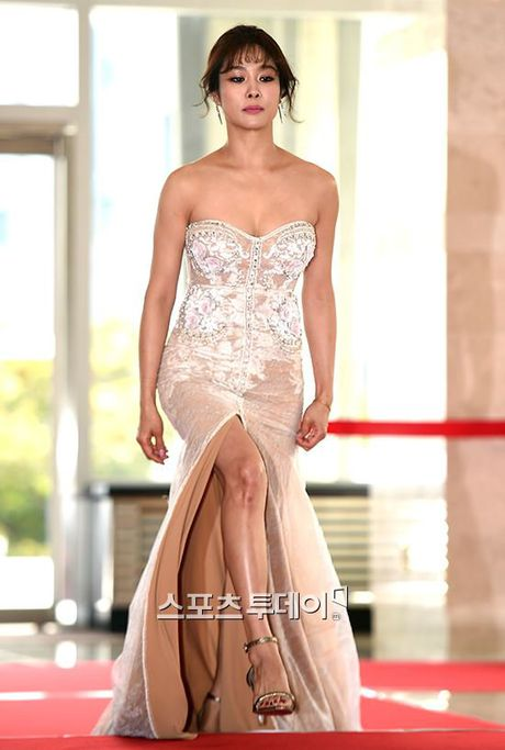 Song Joong Ki ga lang het co voi Song Hye Kyo tren truyen hinh - Anh 8