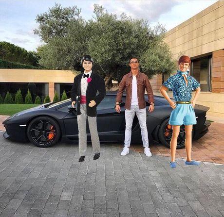 Anh che cuc hai Cristiano Ronaldo ben Lamborghini - Anh 6