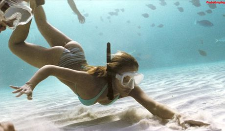 Nhung man khoe dang quyen ru voi bikini hop hon khan gia - Anh 23