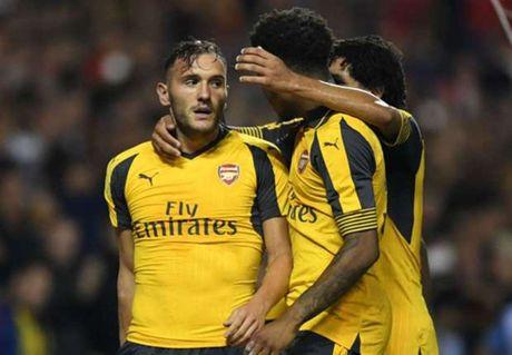 Arsenal nhan tin du ve chan thuong cua Lucas Perez - Anh 1