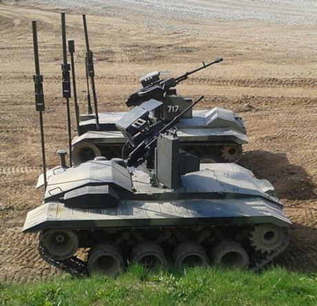 Phat hoang robot kamikaze cua Nga chuyen huy diet xe tang - Anh 1