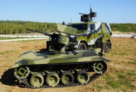 Phat hoang robot kamikaze cua Nga chuyen huy diet xe tang - Anh 2