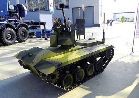 Phat hoang robot kamikaze cua Nga chuyen huy diet xe tang - Anh 3