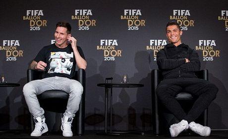 Ronaldo len tieng ve moi quan he voi Messi - Anh 1
