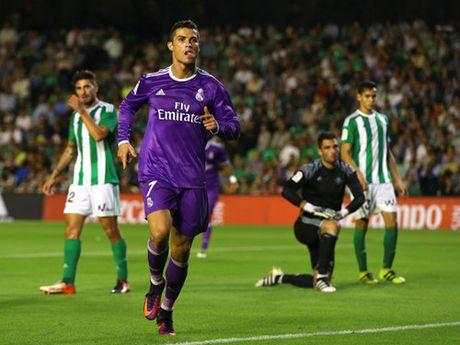 Ronaldo len tieng ve moi quan he voi Messi - Anh 2