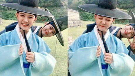 Song Joong Ki lay Kim Yoo Jung ra de dong vien Park Bo Gum - Anh 4