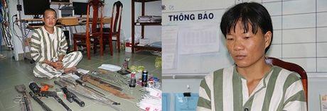 """Bat khan cap doi vo chong buon ma tuy, """"thu"""" hang nong - Anh 1"""