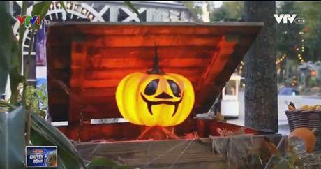 Ruc ro le hoi Halloween tai Dan Mach - Anh 1