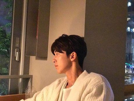 Sao Han 28/10: EXID bi tung anh 'dim hang', Dragon trong 'du' vi mat day rau - Anh 4