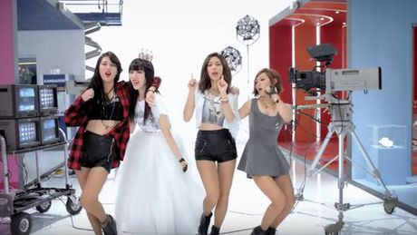Quiz: Ke ten MV ca nhac co su tham gia cua Suzy - Anh 4