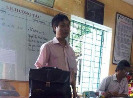 Da xu phat thay giao ra tay hanh hung hoc tro o Thanh Hoa - Anh 1