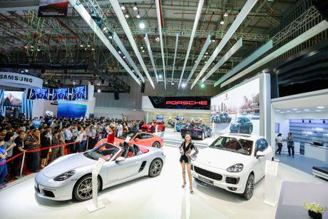 Porsche Panamera the he moi lan dau co mat tai Viet Nam - Anh 3