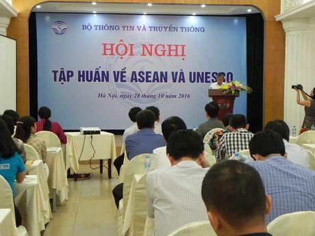 Bo Thong tin va Truyen thong to chuc hoi nghi tap huan ve ASEAN va UNESCO - Anh 2