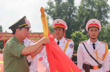 Trung doan CSCD Tay Nam Bo don nhan Huan chuong bao ve To quoc hang Ba - Anh 4