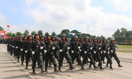 Trung doan CSCD Tay Nam Bo don nhan Huan chuong bao ve To quoc hang Ba - Anh 8