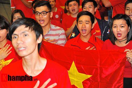 Fan nhieu cam xuc khi co vu U19 Viet Nam dau U19 Nhat Ban - Anh 1