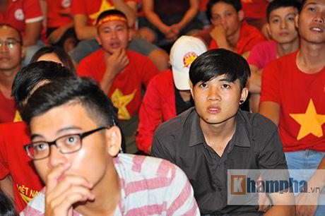 Fan nhieu cam xuc khi co vu U19 Viet Nam dau U19 Nhat Ban - Anh 4