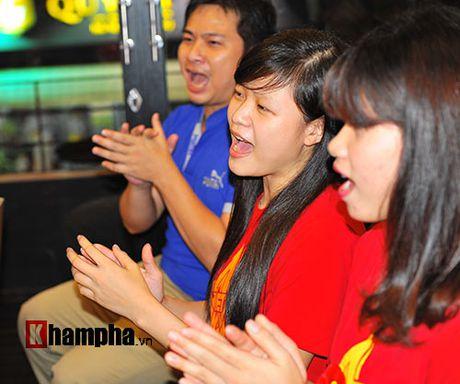 Fan nhieu cam xuc khi co vu U19 Viet Nam dau U19 Nhat Ban - Anh 5