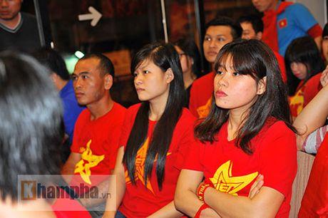 Fan nhieu cam xuc khi co vu U19 Viet Nam dau U19 Nhat Ban - Anh 7
