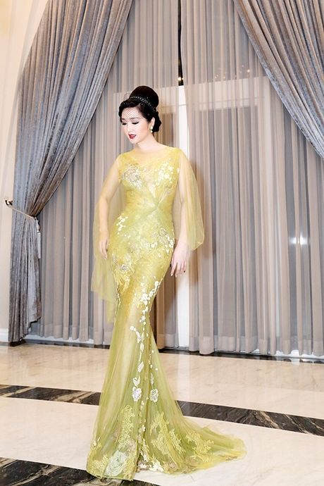 Hoa hau Giang My thay 3 bo trang phuc trong dem Sac Tam Tai - Anh 8